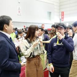 アイドルチャンネル「KawaiianTV」の番組『ゆいぽんしゅ!!』のロケ風景